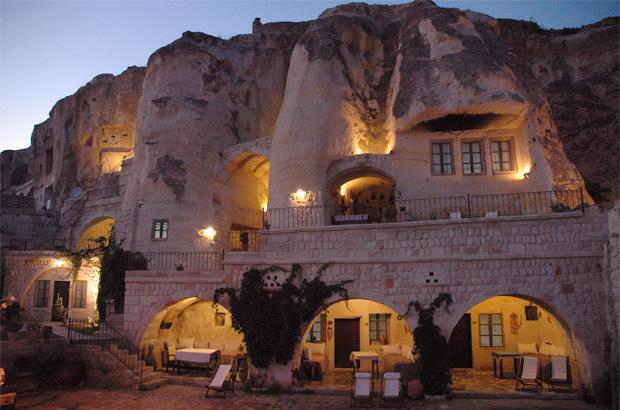 cavehotel