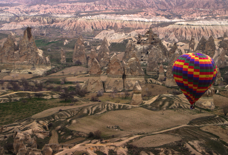 hot_air_ballon_over_cappadocia_11
