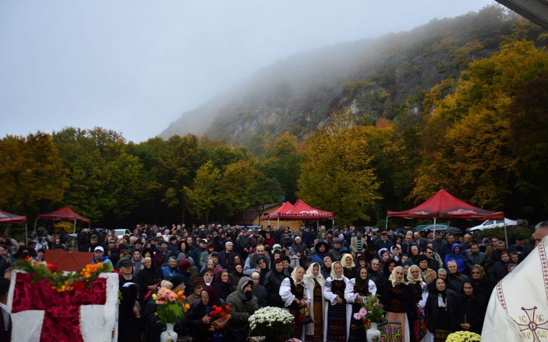 21 octombrie 2019  21 OCTOMBRIE 2019(luni), Pelerinaj la Mănăstirea PETRU RAREȘ VODĂ de la Cetatea Ciceului